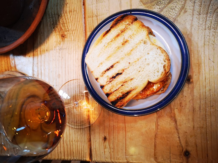 Henriques & Henriques 10 Year Old Sercial with halloumi and apricot jam toastie