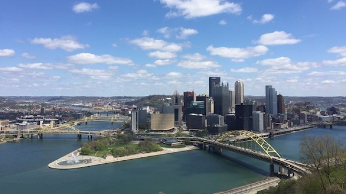 Pittsburgh from Mt Washington, next to restaurant Altius