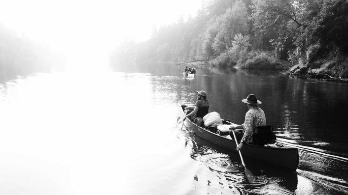 Illahe - canoeing wine to Portland