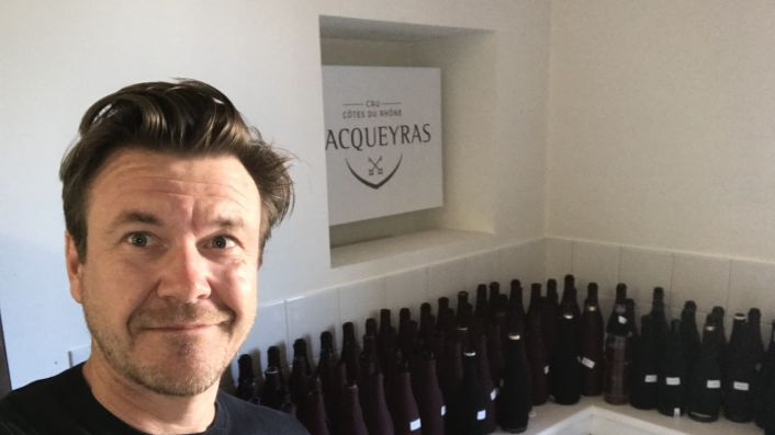 Alistair Cooper MW at the HQ of Vacqueyras for a blind tasting of 2019s
