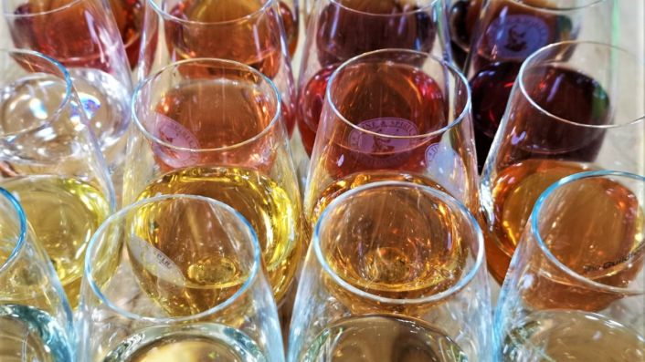 The colours of vermouth