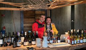 Ferran Centelles in red with Héctor Riquelme tasting wine in Chile